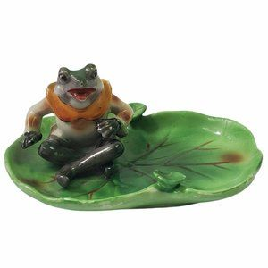 Vintage Frog Sitting On Lily Pad Ashtray Green Occupied Japan